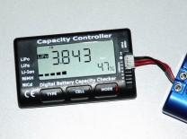 LiPo-Tester Capacity Controller CellMeter-7: Anzeige der Spannung der ersten Zelle