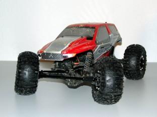Axial AX10 Ridgecrest mit HB Rover auf GMade Beadlocks