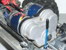 E-Maxx Dual Titan 775 mit Getriebeabdeckung