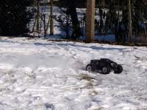 HPI Savage XS Flux im Schnee 10