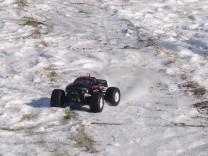 HPI Savage XS Flux im Schnee 11