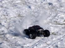 HPI Savage XS Flux im Schnee 12