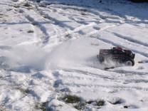 HPI Savage XS Flux im Schnee 15