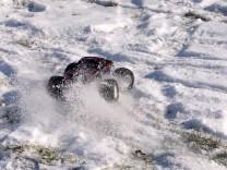 HPI Savage XS Flux im Schnee 17