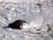 HPI Savage XS Flux im Schnee 4