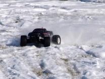 HPI Savage XS Flux im Schnee 5