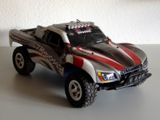Traxxas Slash mit Lightbar